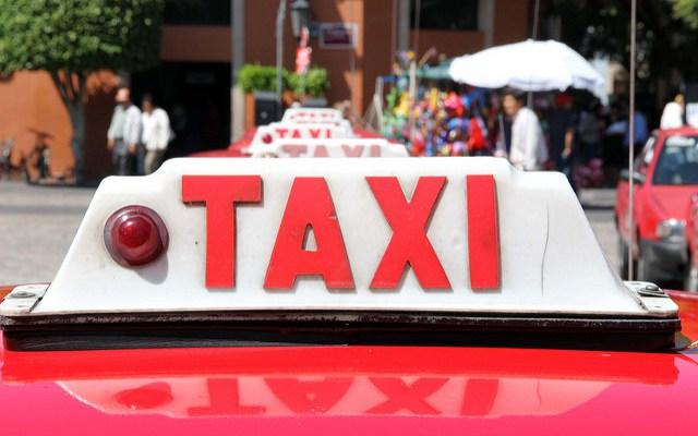 Se manifiestan contra taxis pirata