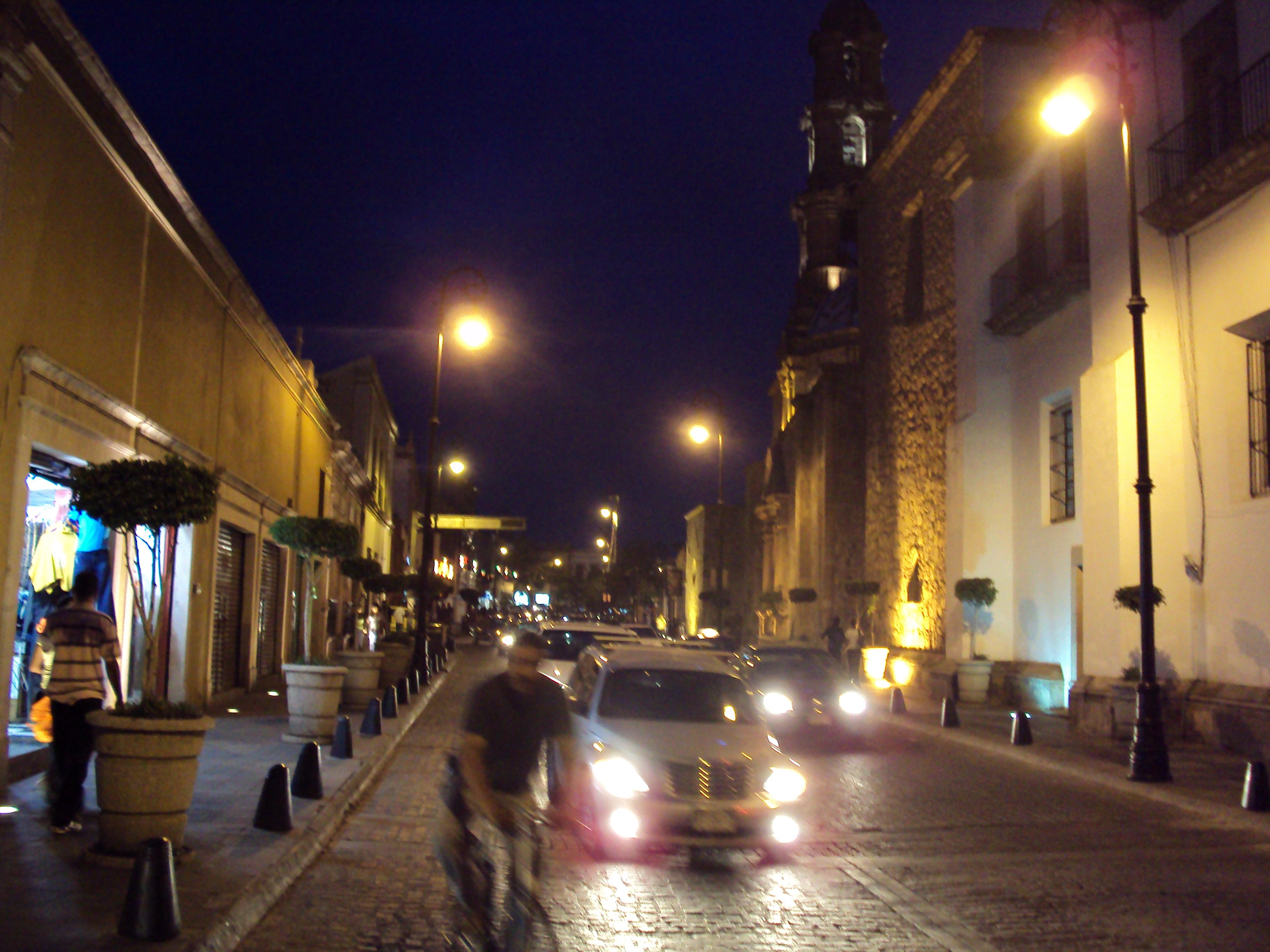 Estacionamientos en el Perímetro Ferial Quieren Incrementar 5 Pesos su Tarifa