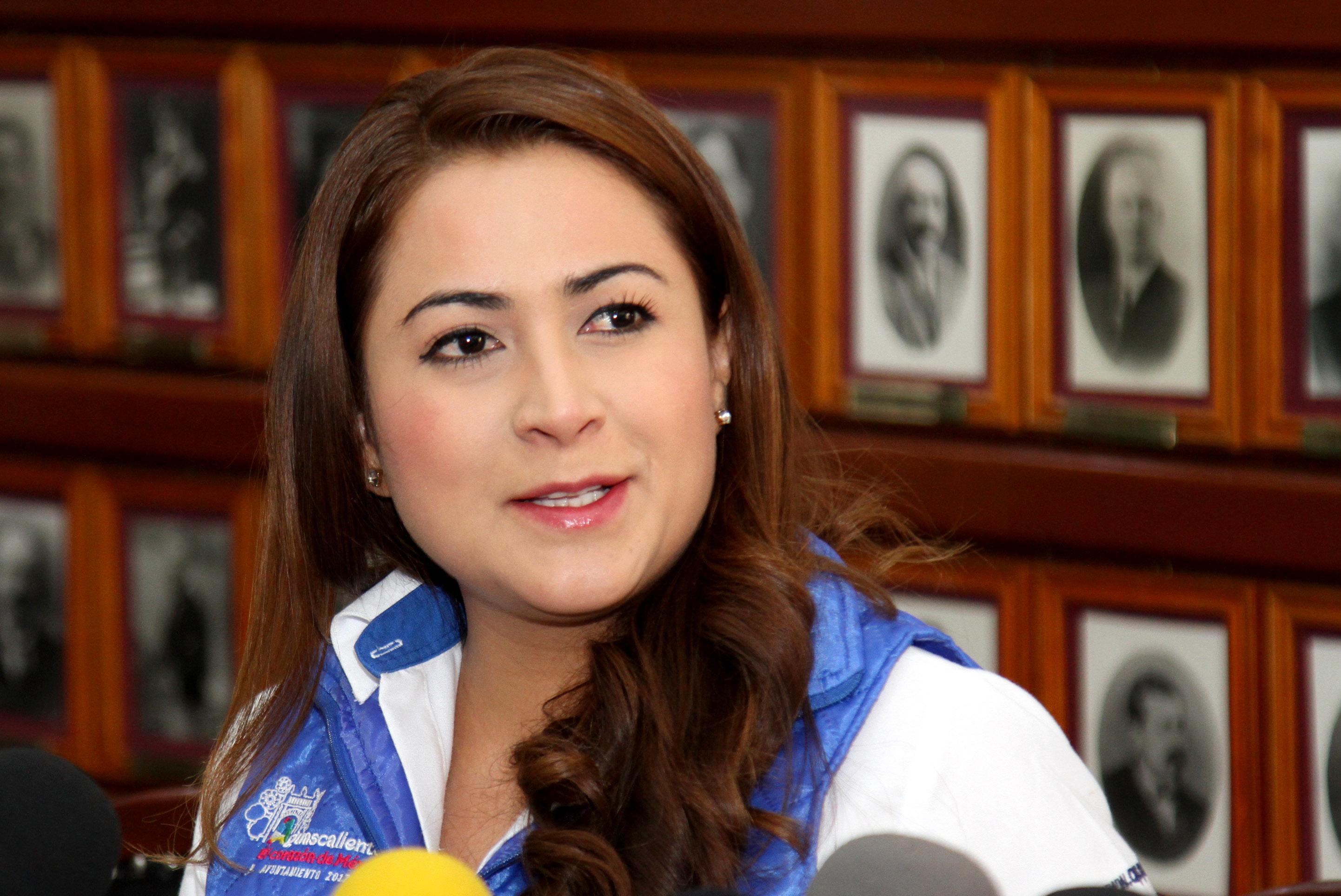 Alcaldesa abandona su pretensión de municipalizar el servicio de agua en la capital