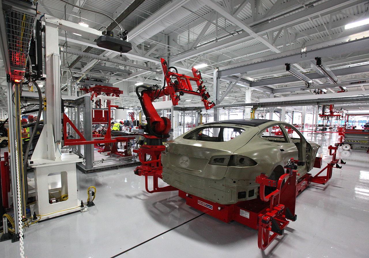Nissan va por venta de automóviles en línea