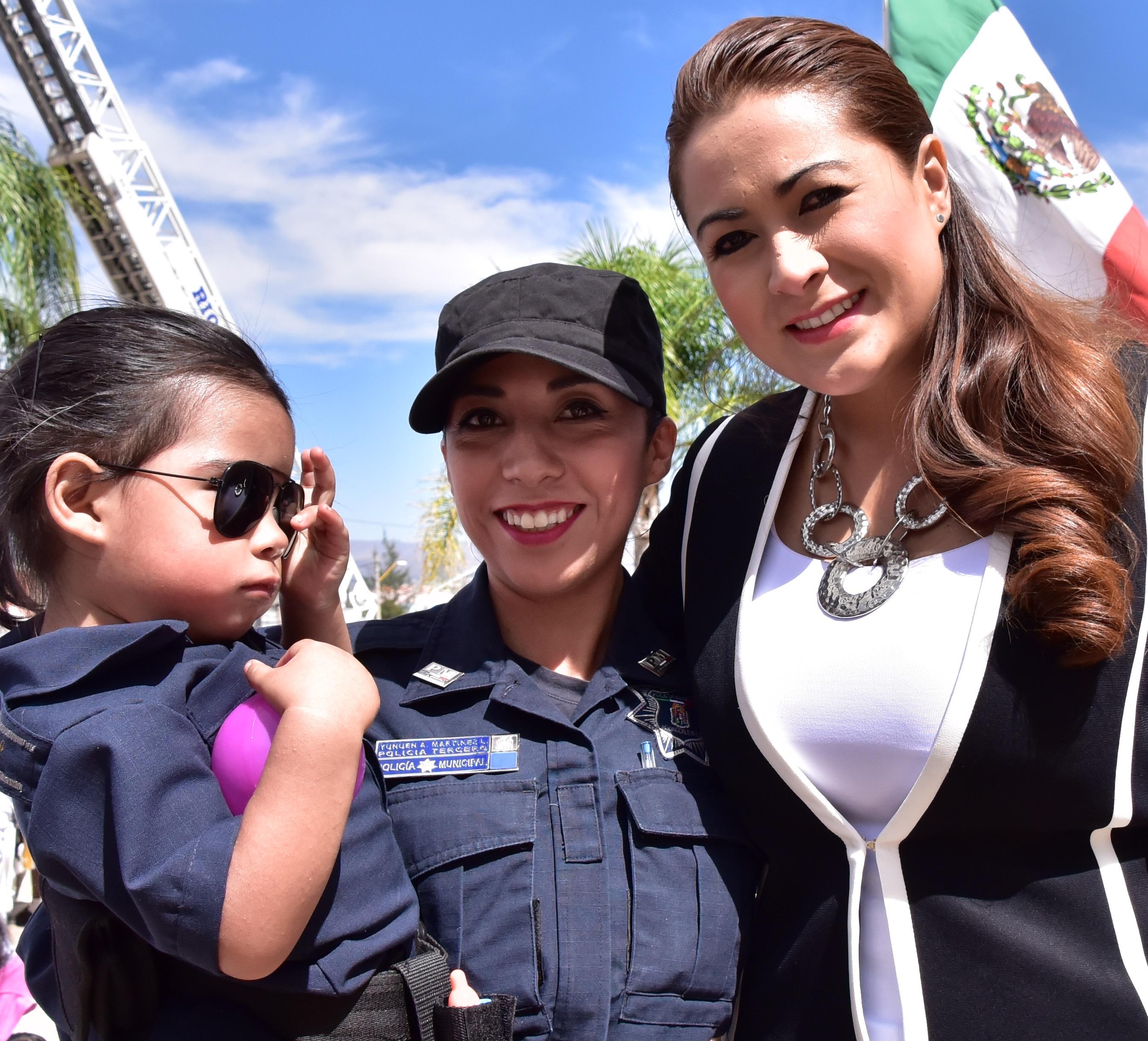Reconoce la Alcaldesa Tere Jiménez el Trabajo de los Policías Municipales