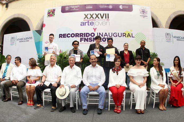 Premian a los ganadores del Encuentro Nacional de Arte Joven