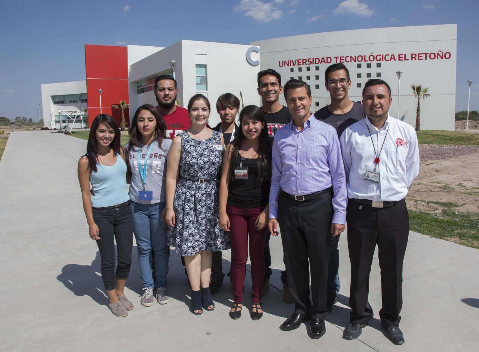 El presidente Enrique Peña visitó ayer la primera Universidad Tecnológica Bilingüe