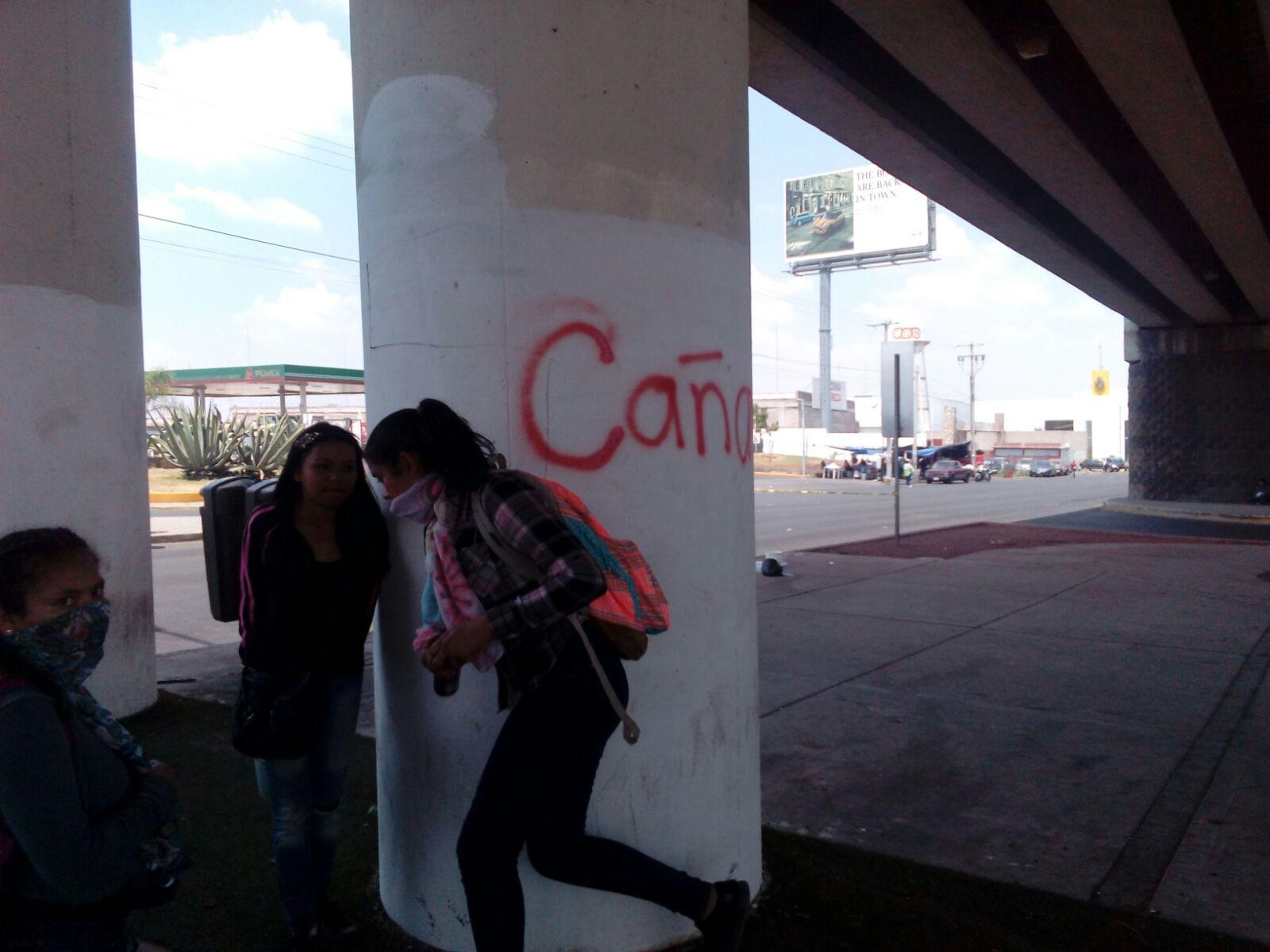 Durante manifestación, normalistas grafitearon a su paso distintos puntos de Aguascalientes