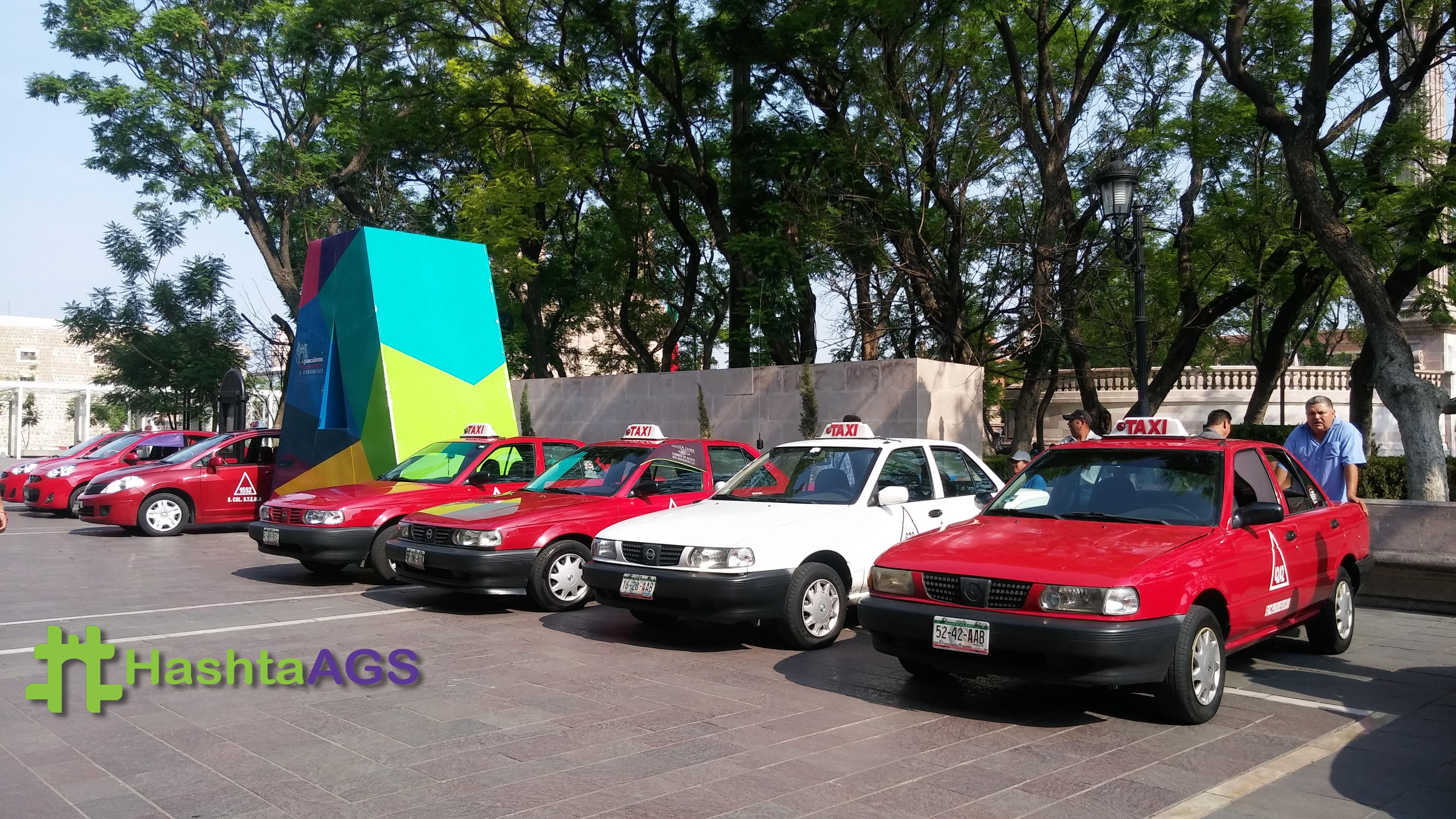 Capacitan a taxistas en temas de riesgos viales