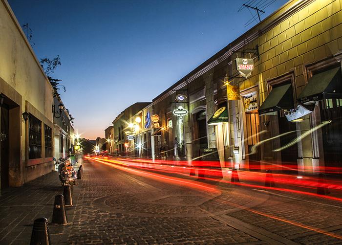 Franeleros se apoderan de las calles en el perímetro ferial