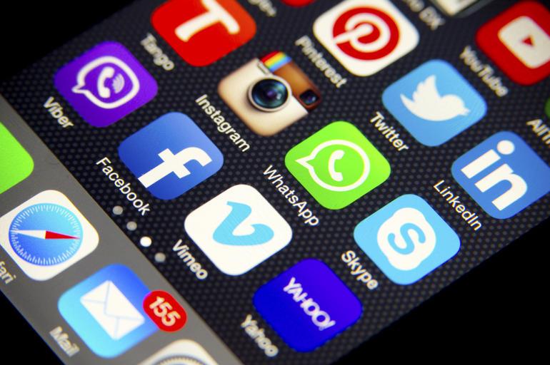INE se propone restringir información vía redes sociales