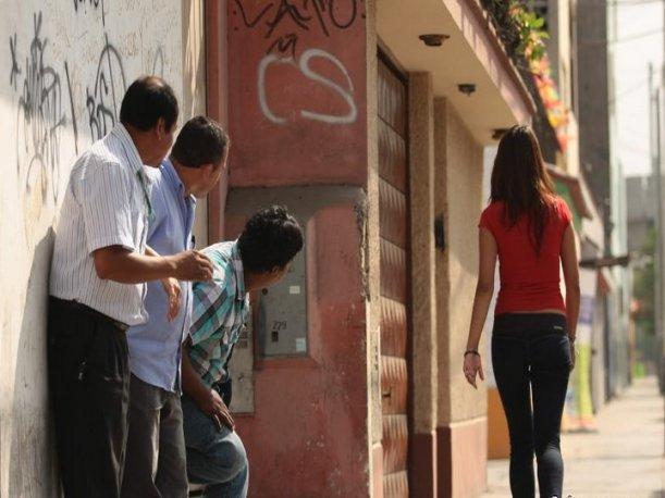 Diputados tipifican el acoso callejero y establecen sanciones para los infractores