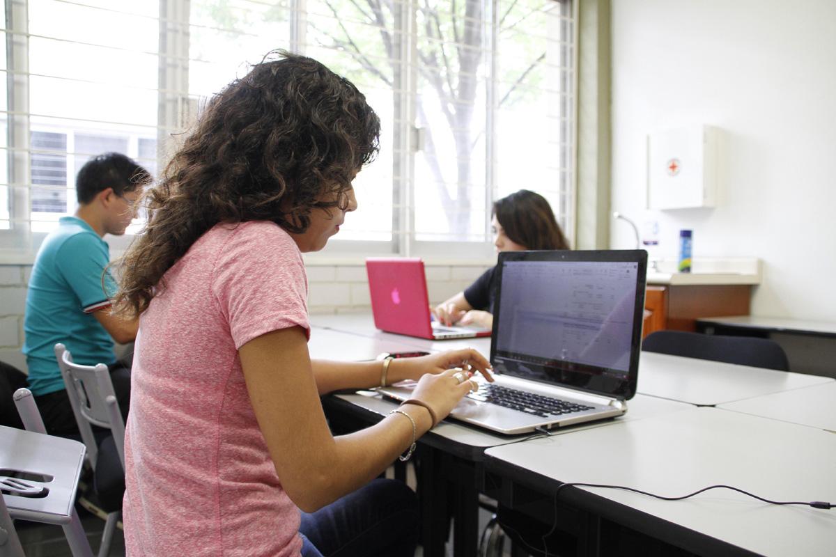 Capacitan a mipymes en habilidades digitales