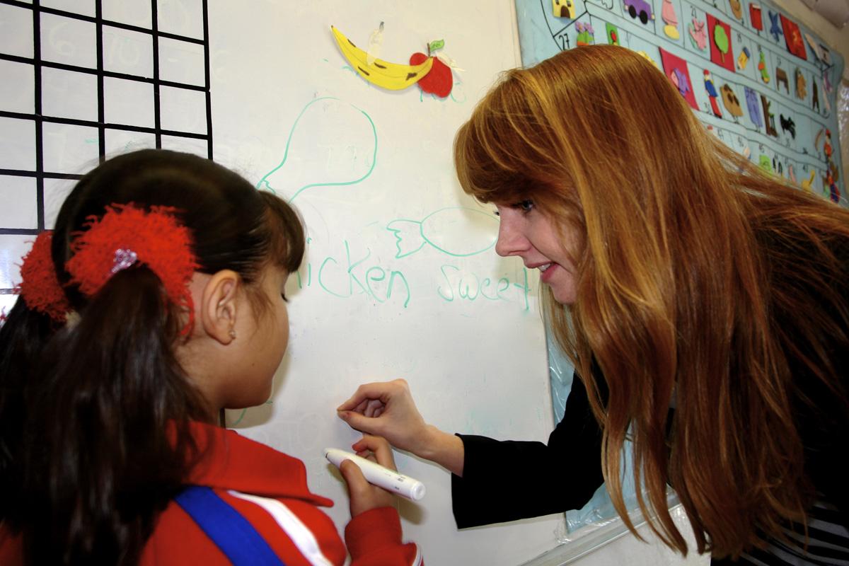 NO valen plazas de maestros de inglés: MOS
