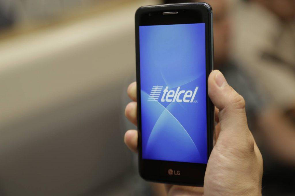 Alertan sobre falsos promotores de Telcel que están robando teléfonos celulares en Aguascalientes