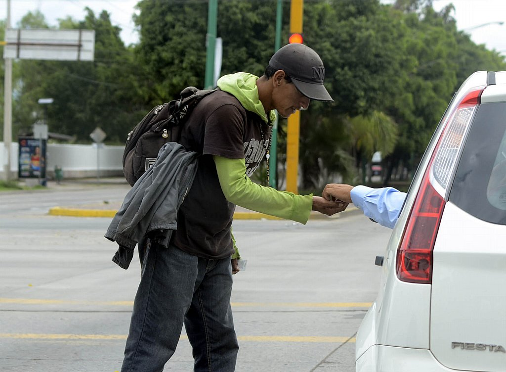 Pedigüeños generan ganancias hasta de 600 pesos por día