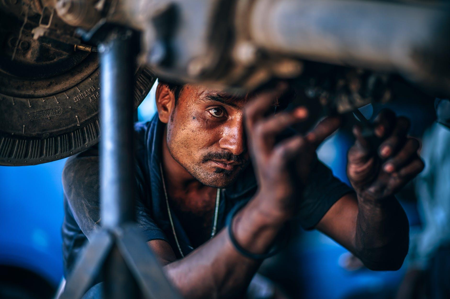 Prevén 10 mil empleos por apertura de Daimler en Aguascalientes
