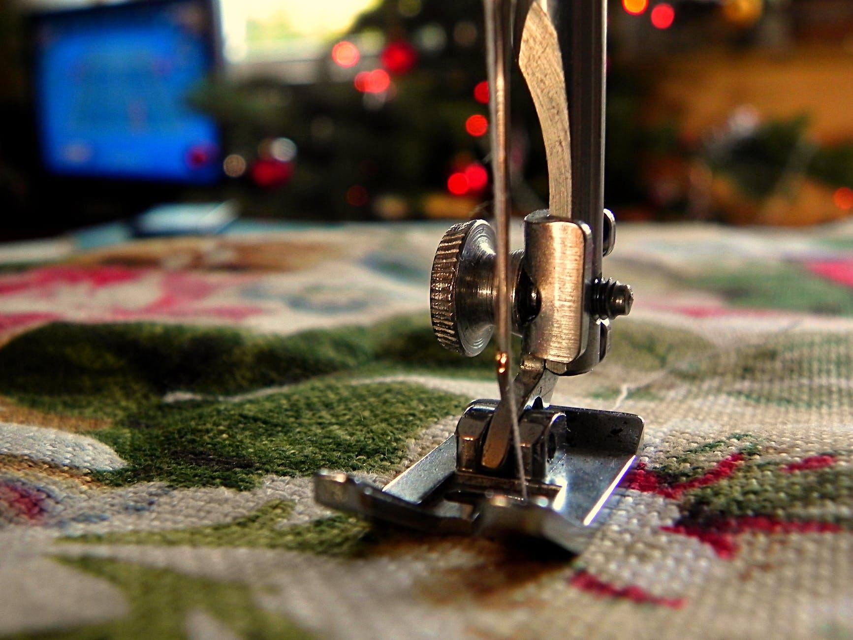 Entregan máquinas a 65 empresas del ramo textil en Aguascalientes