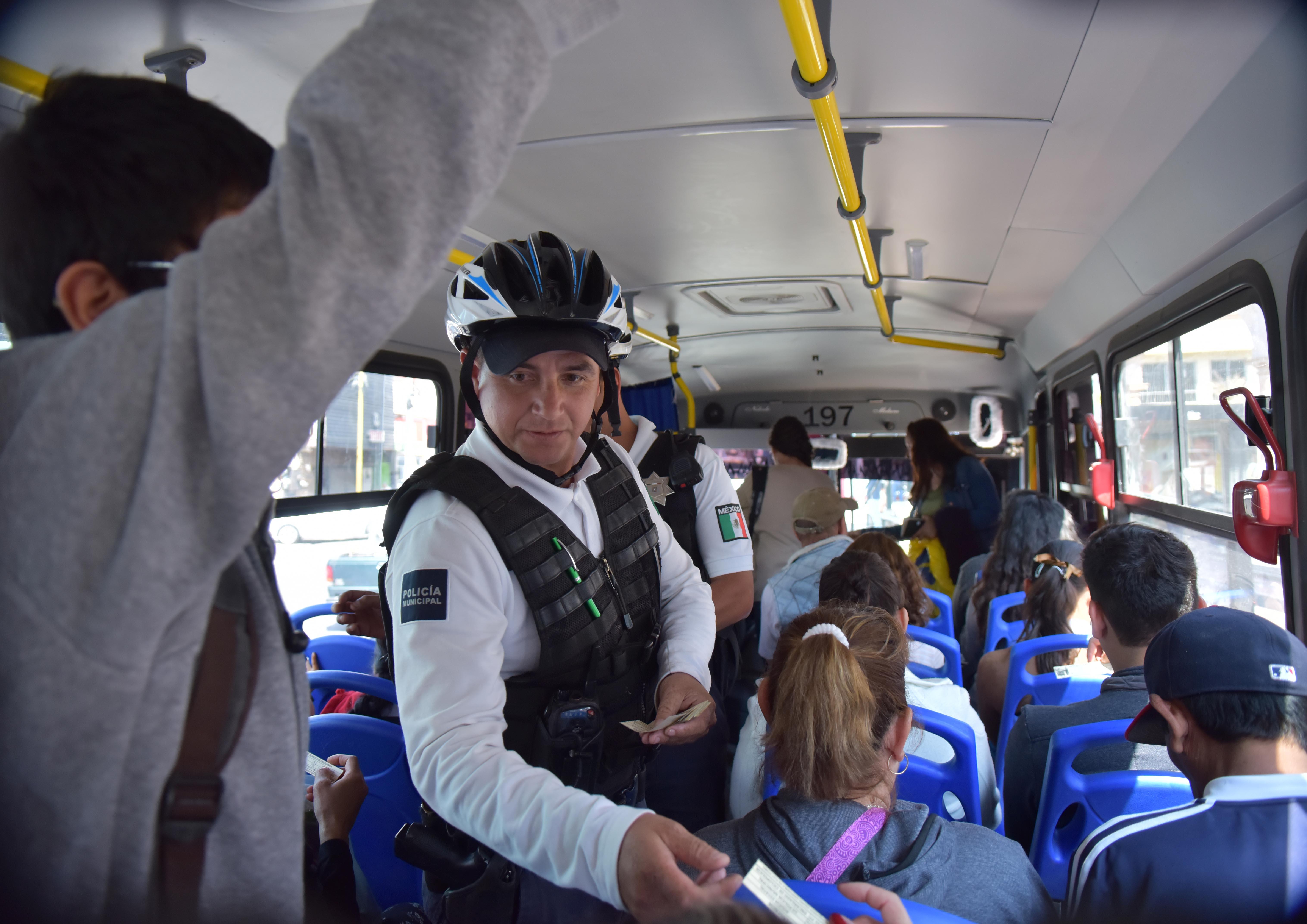 Continúa operativo de seguridad en camiones, taxis y combis