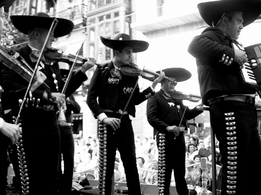 Solamente podrán estar dos bandas y dos mariachis en J. Pani