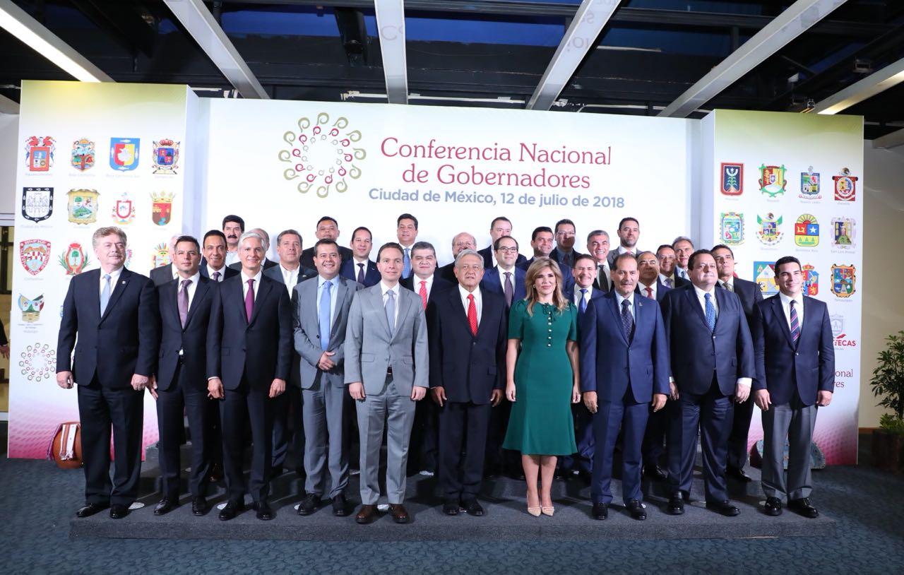 Se reúne Martín Orozco con AMLO y miembros de la Conago
