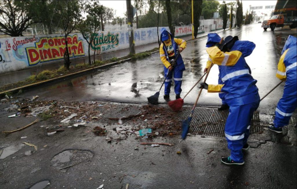 Retiran 25 toneladas de basura de las alcantarillas